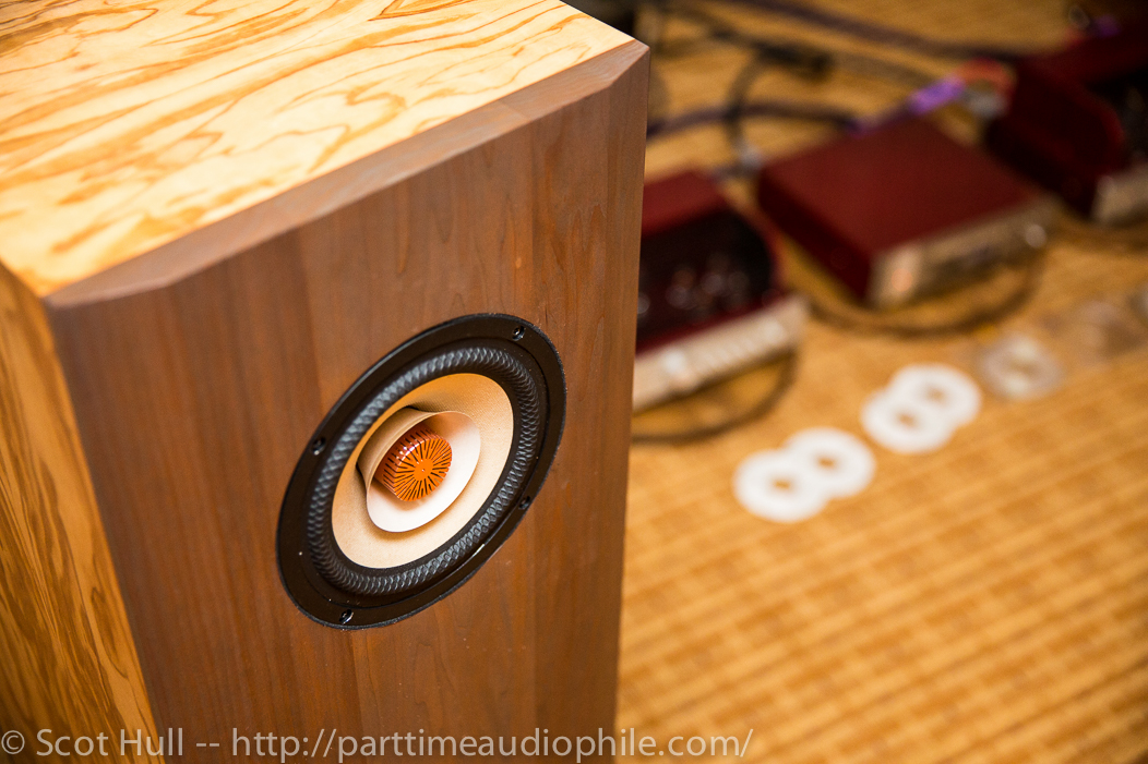 RMAF 2014: Existence Loudspeakers and Triode Corp make with the sexy-time