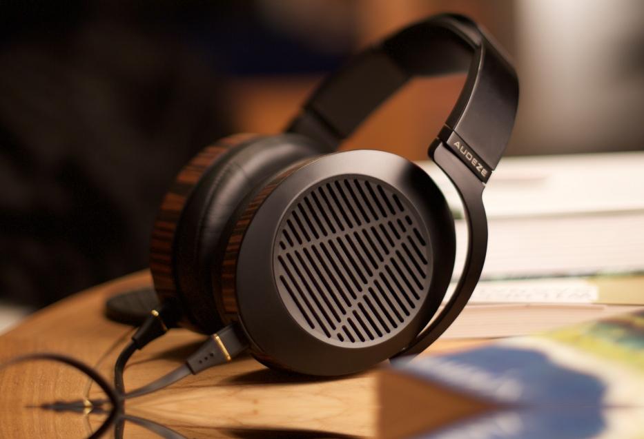 CES 2015, The Personal Audio Perspective: Audeze EL-8