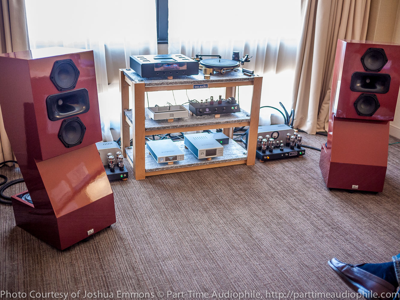 AXPONA 2015: Essential Audio with AudioKinesis, Atma-Sphere, Exogal, Aurender, Kuzma