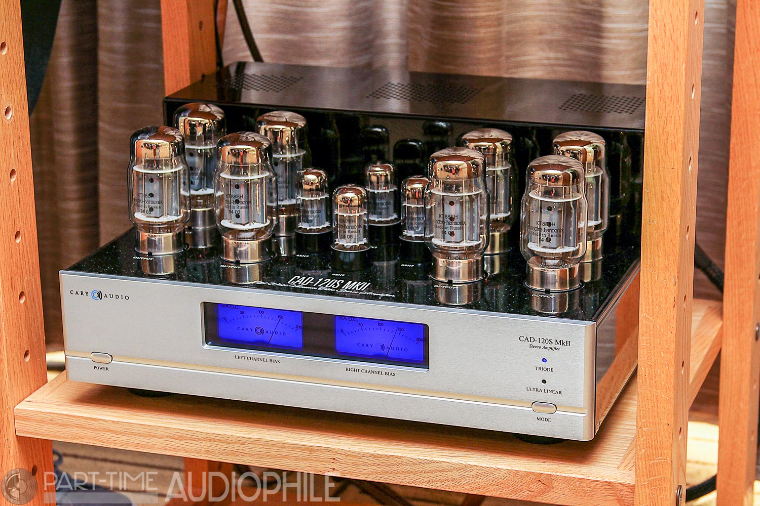 Newport 2015: Cary Audio with Tannoy