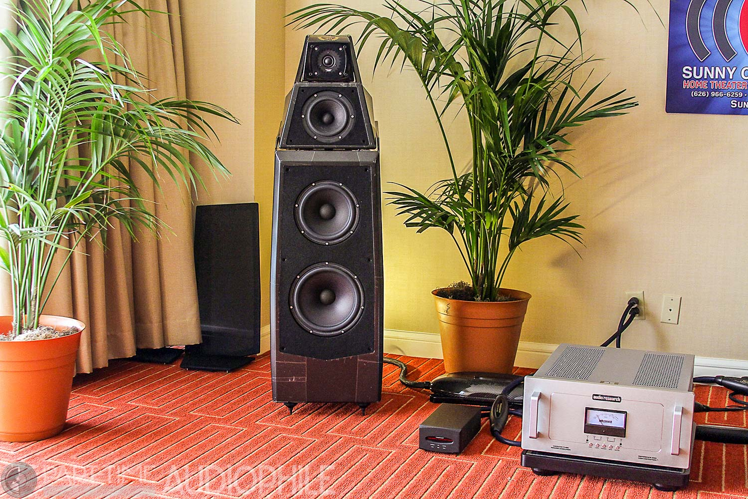 Newport 2015: Sunny Components presents Wilson Audio and Audio Research